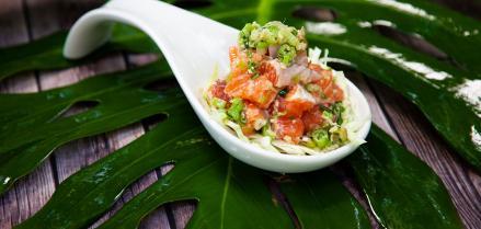 Show Aloha Challenge Salmon Poke